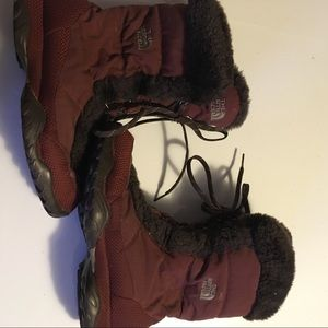 North Face Women  burgundy Winter Boots Size 6.5